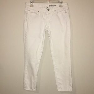 Gap White Capri jeans